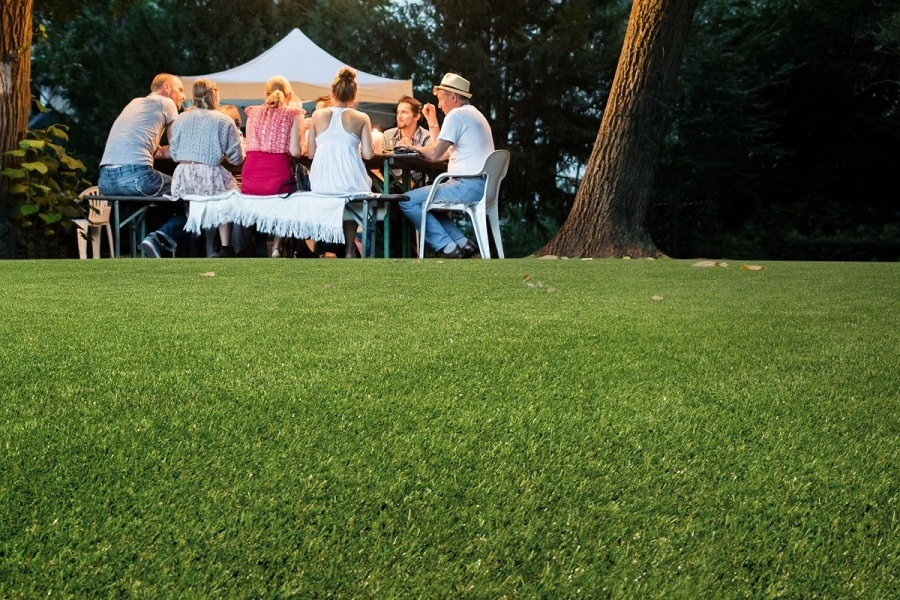 Picnic on Outdoor Fake Grass