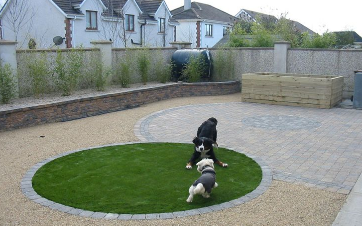 fake grass play area for dogs